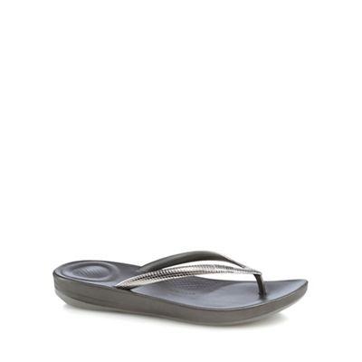 FitFlop - Dark grey IQushion flip flops