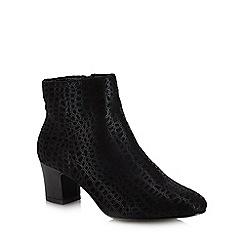 Lotus - Black 'Flute' mid block heel ankle boots