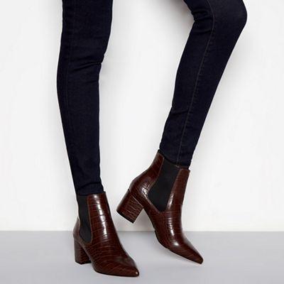 J by Jasper Conran - heel Dark brown croc-effect block heel - Chelsea boots 5d0768
