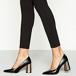 Faith - Black faux leather 'Carter' high block heel court shoes