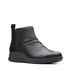 Clarks - Black leather 'Un Adorn Mid' boots
