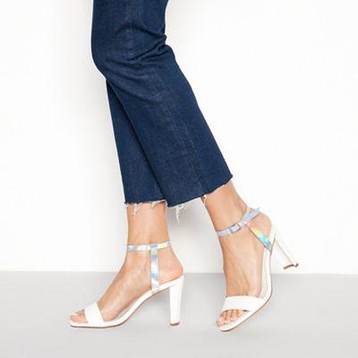 068010421280: White Laura block heel sandals