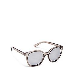 Beach Collection - Dark grey cat eye sunglasses