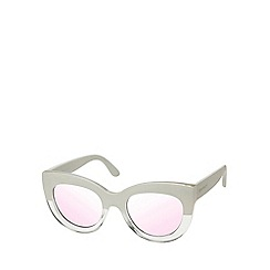 Seafolly - White rounded cat eye sunglasses
