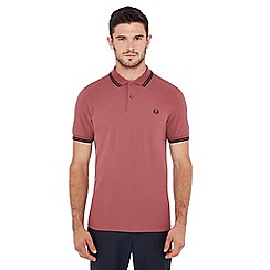Fred Perry - Dark pink tipped embroidered logo polo shirt