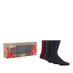 Mantaray - 3 pack assorted cable knit boot socks in a gift box