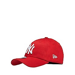 Yankee - Red embroidered baseball hat