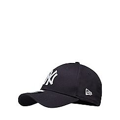 Yankee - Navy embroidered baseball hat