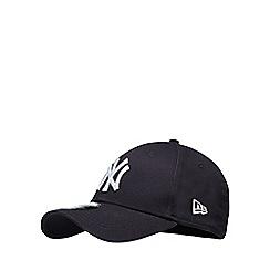 Yankee - Navy embroidered baseball hat