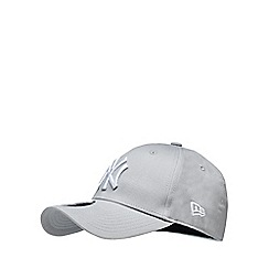 Yankee - Grey embroidered baseball hat
