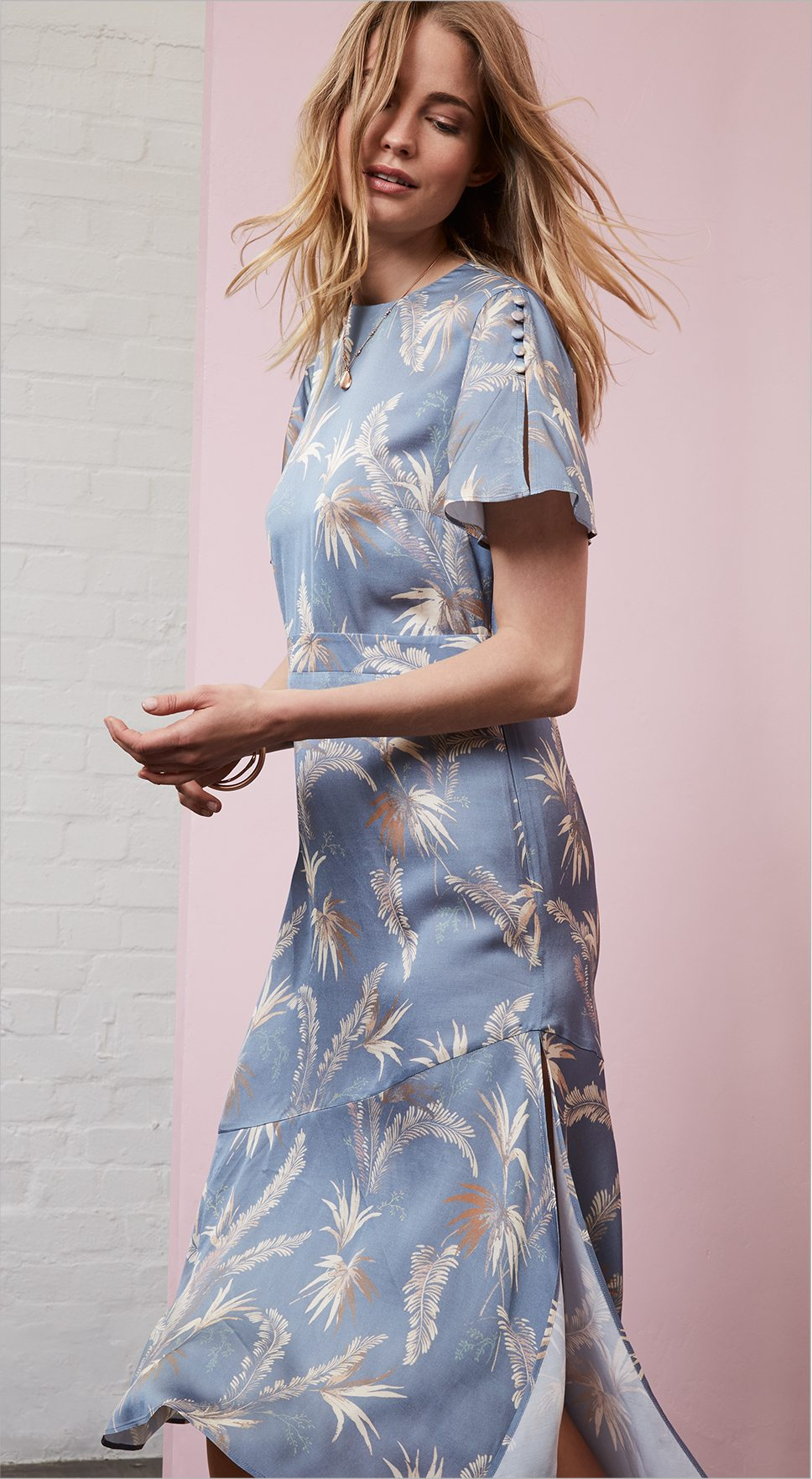 9f4b8eeb2b6 TEA DRESSES The forever piece The 40s style tea dress makes a comeback for  autumn. Easy and effortless