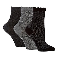 The Collection - 3 pack supersoft floral knit ankle socks