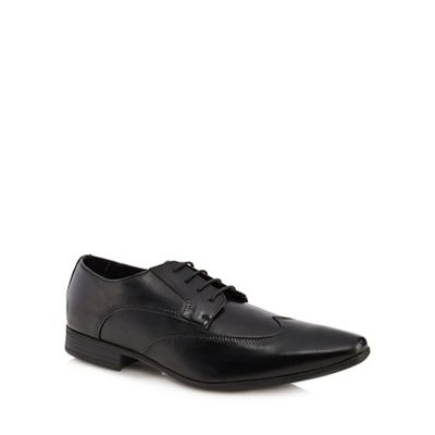 084010122560: Black Smith Derby Shoes