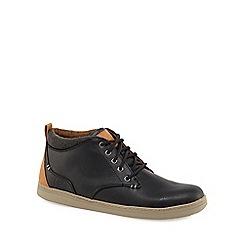 Skechers - Black 'Helmer' chukka boots