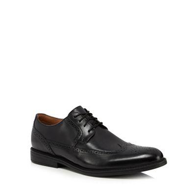 Online ExclusiveClarks - Black leather 'Beckfield' brogues