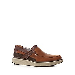 Clarks - Light tan 'Un Abode' slip-on shoes