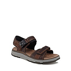 Clarks - Dark tan 'Un Trek Part' sandals