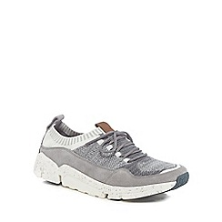 Clarks - Grey 'Triactive' trainers
