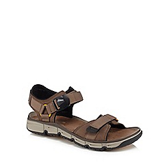 Clarks - Brown suede 'Explore' sandals