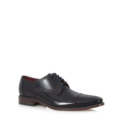 Loake - Black leather brogues Fashionable and eye-catching shoes