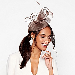 Debut - Taupe bon bon swoop fascinator