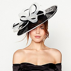 Debut - Black loop and quill saucer fascinator