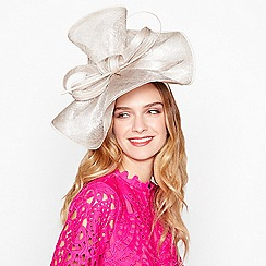 Debut - Gold sinamay wave fascinator