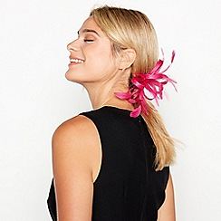 Debut - Bright Pink 'Lamour' Loop and Feather Clip Fascinator