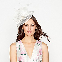 Debut - Ivory feather fascinator