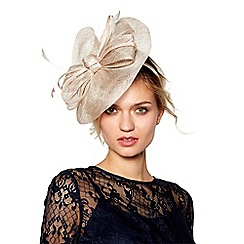 Debut - Light gold metallic wave fascinator