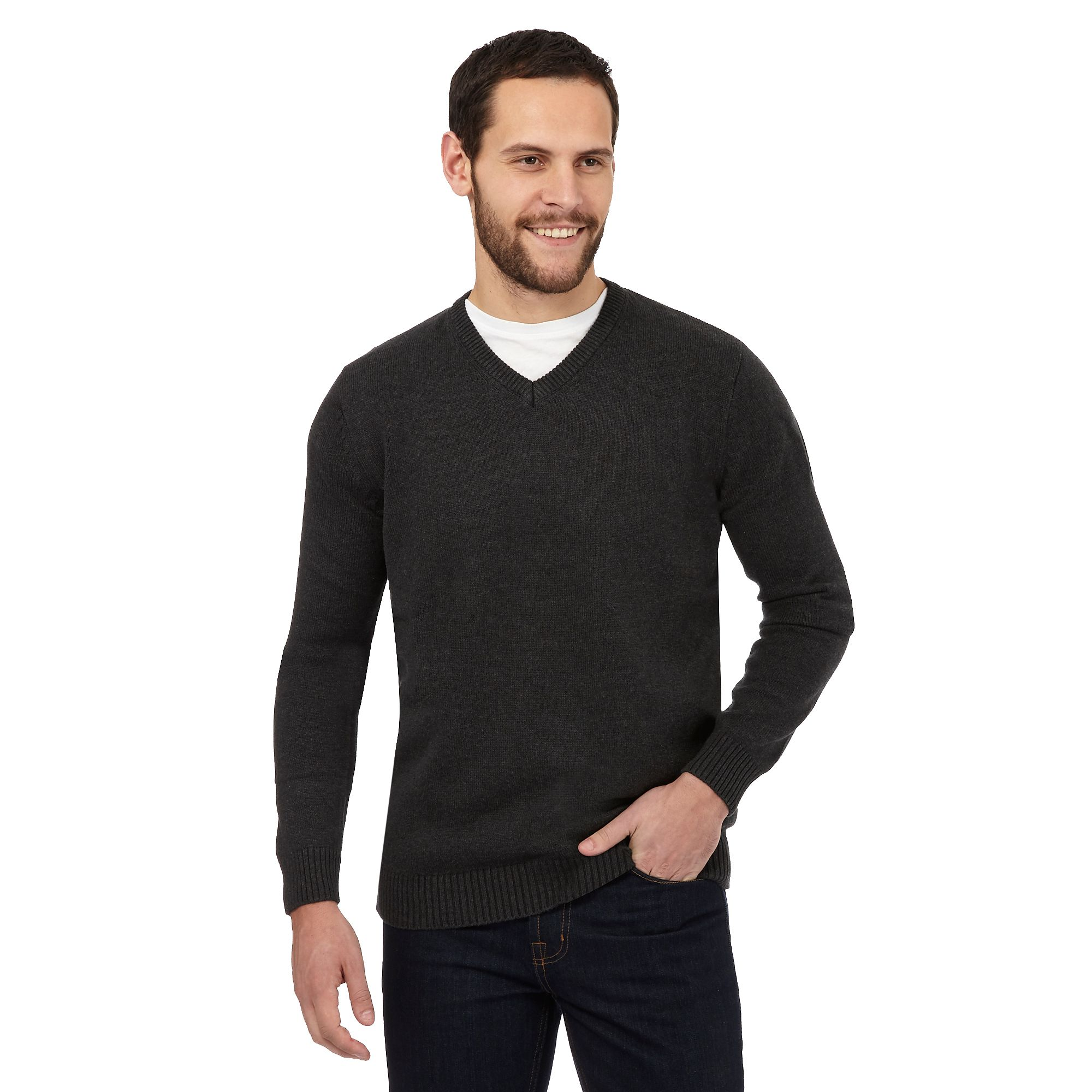 V-Neck Sweaters A classic knitwear design, V-neck sweaters for men are an essential part of the business wardrobe, combining with suit and tie for a smart office outfit. Men's V-neck sweaters can also work in a casual look, with loose fitting designs matching well with jeans or chinos.