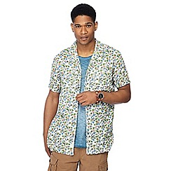 Mantaray - Green parrot print short sleeve regular fit shirt