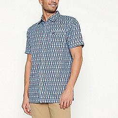 Mantaray - Red kayak design short sleeve regular fit shirt
