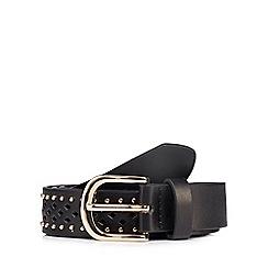 Mantaray - Black cut out studded belt