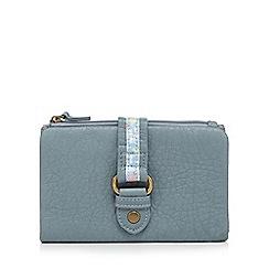Mantaray - Light blue floral tab purse