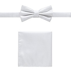Black Tie - White bow tie and pocket set
