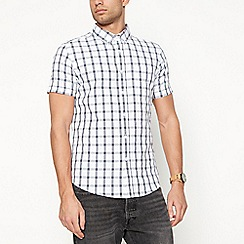 Red Herring - Big and tall white checked short sleeve slim fit shirt