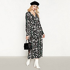 Red Herring - Black Stripe Daisy Print Maxi Dress