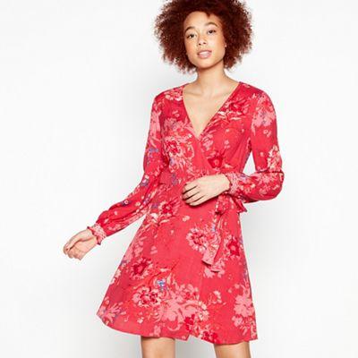 103030431103: Red Floral Print Delilah Knee Length Wrap Dress