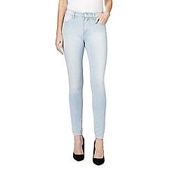 Wrangler - Light blue mid wash high waisted skinny jeans