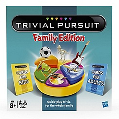 Hasbro - Trivial Pursuit Family Game