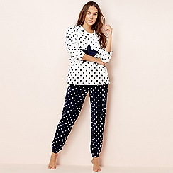 Lounge & Sleep - Cream star print fleece long sleeve pyjama set