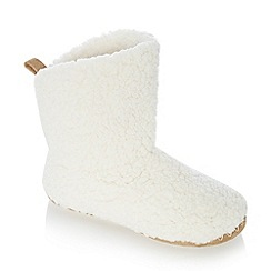 Lounge & Sleep - Cream sherpa fleece slipper boots