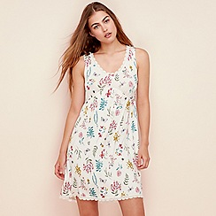 Lounge & Sleep - Light pink floral print jersey 'Gardens' chemise