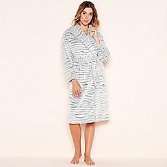 Lounge & Sleep - Grey zebra embossed fleece robe