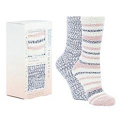 Totes - 2 pack light pink fluffy slipper socks