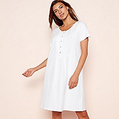 Lounge & Sleep - Cream spot print pure cotton short sleeve nightdress