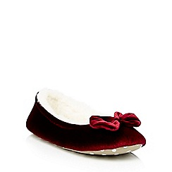 Lounge & Sleep - Dark red velvet ballet style slippers