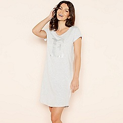 Lounge & Sleep - Light grey 'E' glitter monogram T-shirt nightdress