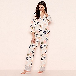 Lounge & Sleep - Light Pink Revere Pyjama Set